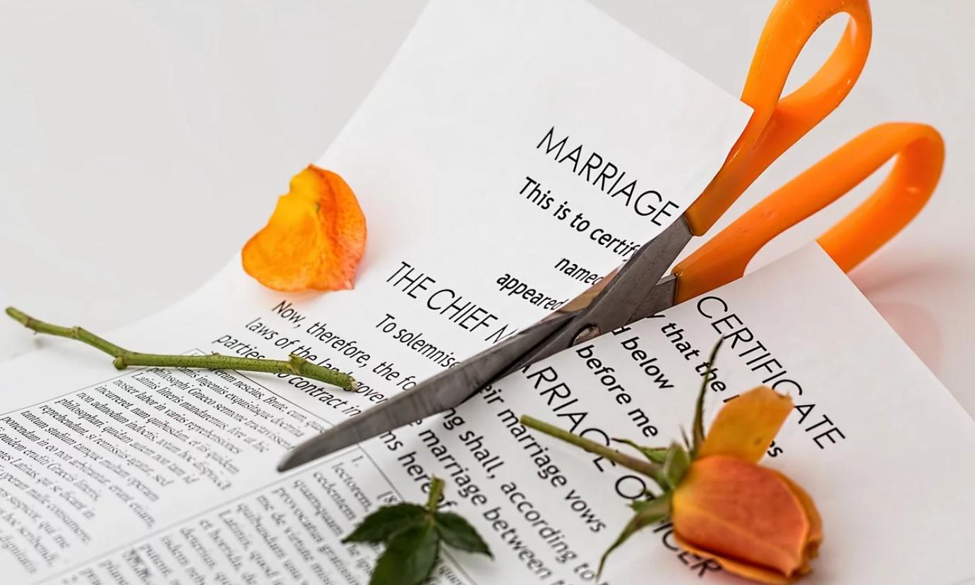 離婚したら最悪。夫婦の収入合算で住宅ローンを組む場合の注意点