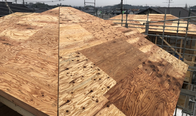 ファースト住宅の建売の屋根材はどんなものを使っている【スレート屋根工事中】