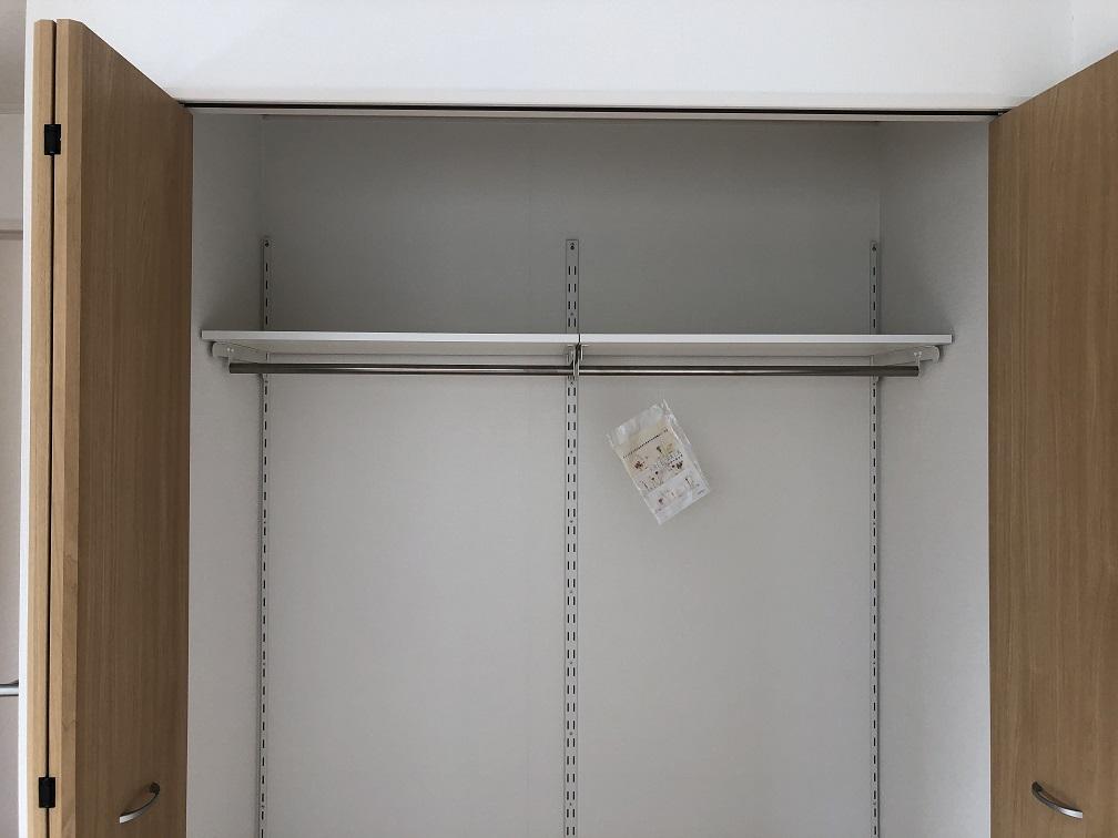 【クローゼット棚】アーネストワンの建売住宅のフリーラック