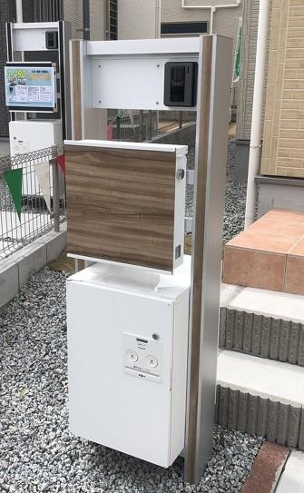 宅配ボックスあり門柱【ファースト住建】