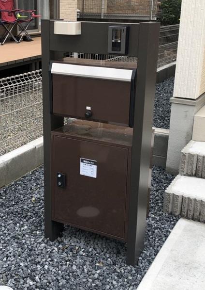 宅配ボックス付きの現場の門柱【アイディホーム】