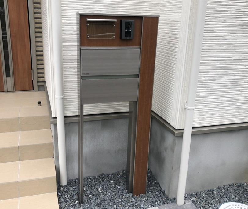 東栄住宅の建売住宅の門柱・ポスト