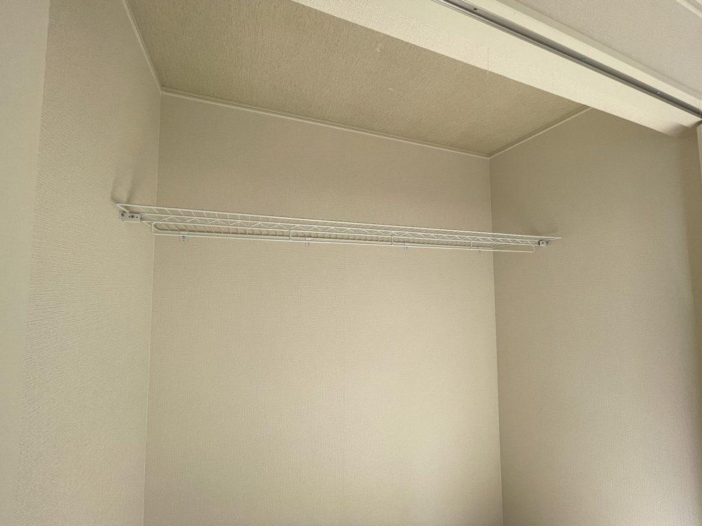 アーネストワンの建売でみたクローゼット棚
